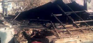 Bozkır'da ev yangını