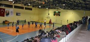 Borçka'da voleybol turnuvası düzenlendi