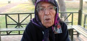 Yaşlı kadını telefonla dolandırdılar