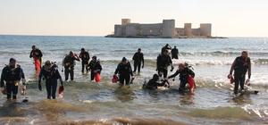 Üniversiteli dalgıçlar denizden çöp temizledi