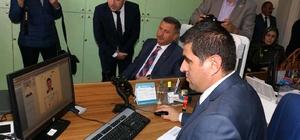 Burdur'da çipli kimlik kartlarına ilk başvuru