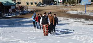 """Kayakçılar ve otelciler """"kar duası"""" yaptı"""