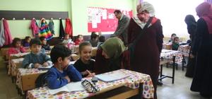 Muş'taki ilkokul öğrencilerine giyim yardımı