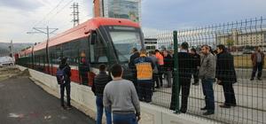 Samsun'da tramvayın çarptığı kişi yaşamını yitirdi