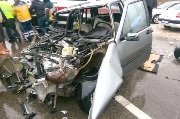 Amasya'da otomobil ile kamyon çarpıştı: 1 ölü, 2 yaralı
