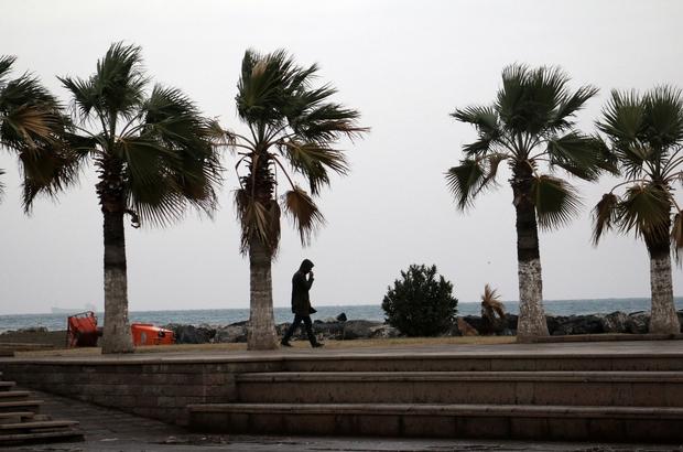 İskenderun'da sağanak ve rüzgar