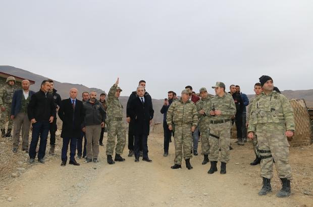 Hakkari Valisi Toprak, karakolları ziyaret etti