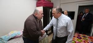 Başkan Yılmaz 7 hastayı evinde ziyaret etti