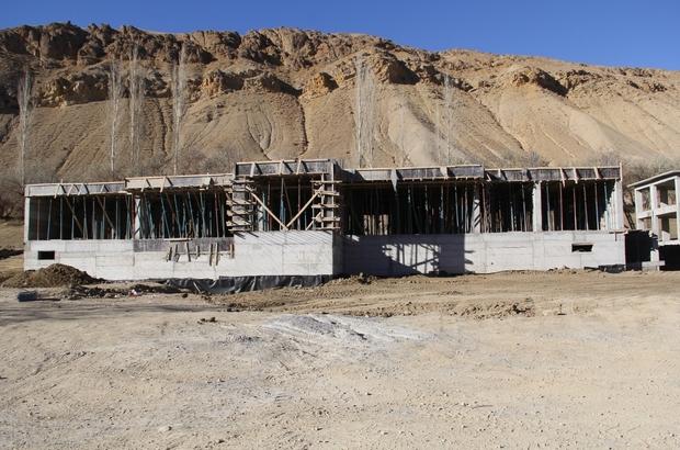 Müdür Samsa okul inşaatını denetledi