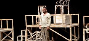 """Bozüyük Tiyatro Günlerinde """"Bir Delinin Hatıra Defteri"""" oyunu sahnelendi"""