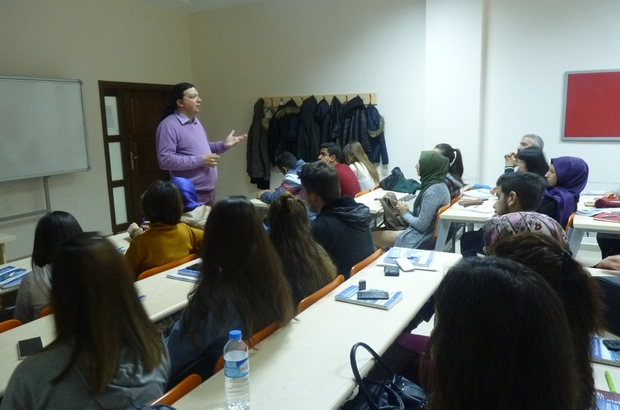 Sinema Yazarı Serkan Paydak öğrencilerle buluştu