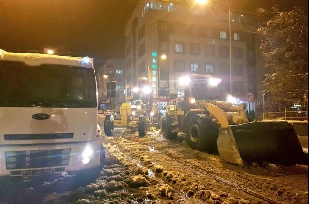 Bingöl'de karla mücadele çalışması sürüyor