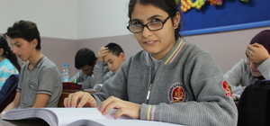 Ortaokul öğrencisi engelini azmiyle aşıyor