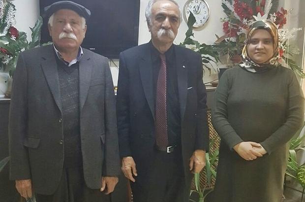Alevi kanaat önderinden Başkan Özdemir'e kitap hediyesi