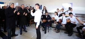 Başkan Karaosmanoğlu dört okulda inceleme yaptı