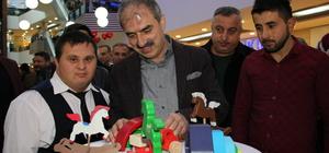 Engellilerin boyadığı oyuncaklar görücüye çıktı