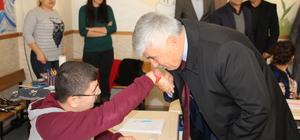 Serik Belediye Başkanı Çalık'tan engelli öğrencilere ziyaret