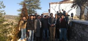 Bilecik Mostar Gençlik Gönüllüleri Eskişehir'den gelen öğrencilere Bilecik'i tanıttı