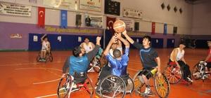 Muş'ta engellilerle farkındalık basketbol maçı