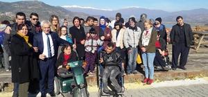 Ödemiş'te CHP'li kadınlar 'özel çocukları' unutmadı