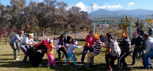 Fethiye'de Nursel Özdemir Özel Eğitim Kurumları 'Engelliler Günü'nü kutladı