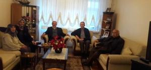 Başkan Vekili Öztürk'ten evi yanan aileye ziyaret