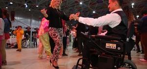 Finike'de engelli vatandaşlar doyasıya eğlendi