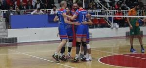 Malatya Büyükşehir voleybol takımı sahasında 3-2 mağlup oldu