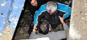 Dereye düşen kişiyi itfaiye ve polis ekipleri kurtardı