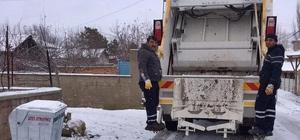 Sungurlu'da Köylerde Çöpler Toplanıyor