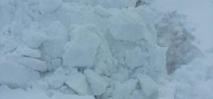 Hamur'da kar temizleme çalışmaları