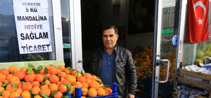 Türk lirasına sahip çıkana mandalina bedava