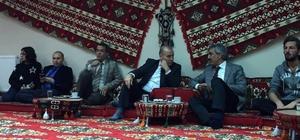 Eski Milletvekili Dal gençlik merkezi üyeleri ile bir araya geldi