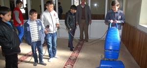 """""""Camiler Temizleniyor, Gençler Bilinçleniyor"""" projesi"""
