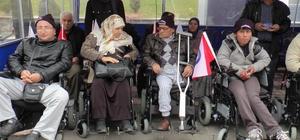 Engellilere akülü ve manüel tekerlekli sandalye