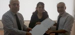 Üniversite birincilerine kutlama belgesi