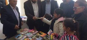 Söke AK Parti'den Kemalpaşa İlköğretim Okulu'na kitap desteği