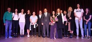 İzmir'de Türk kadınına seçme ve seçilme hakkı verilmesine özel program