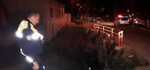 Söke'de motosiklet köprüden uçtu: 2 yaralı