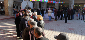 Edirne'de 1 ton hamsi dağıtıldı