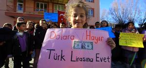Öğrencilerden Türk lirasına destek