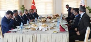 Vali Özefe, İl Genel Meclis üyeleri ile bir araya geldi