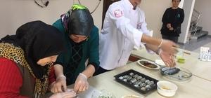 Ustalardan Pursaklarlı hanımlara balık pişirme eğitimi