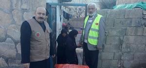 Kahta'da kömür ve battaniye yardımı yapıldı