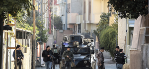 """Adana'da 300 polisle """"huzur"""" uygulaması"""