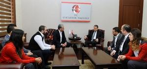 Eskişehir Bayan Hentbol Takımı'ndan Vali Çelik'i ziyaret