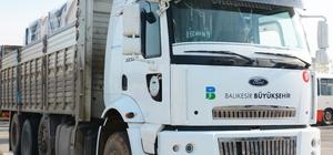 Balıkesir BŞB'den Ayvalık'a yardım kamyonu