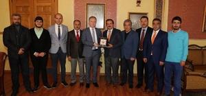 TSYD Sivas İl Temsilciliği'nden Vali Gül'e plaket