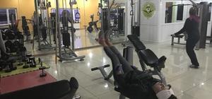 Dolar bozdurana bir ay ücretsiz fitness