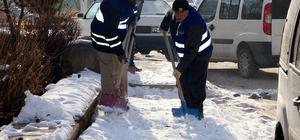 Erzurum'da karla mücadele
